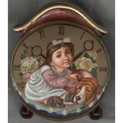 Шкатулка в виде часов